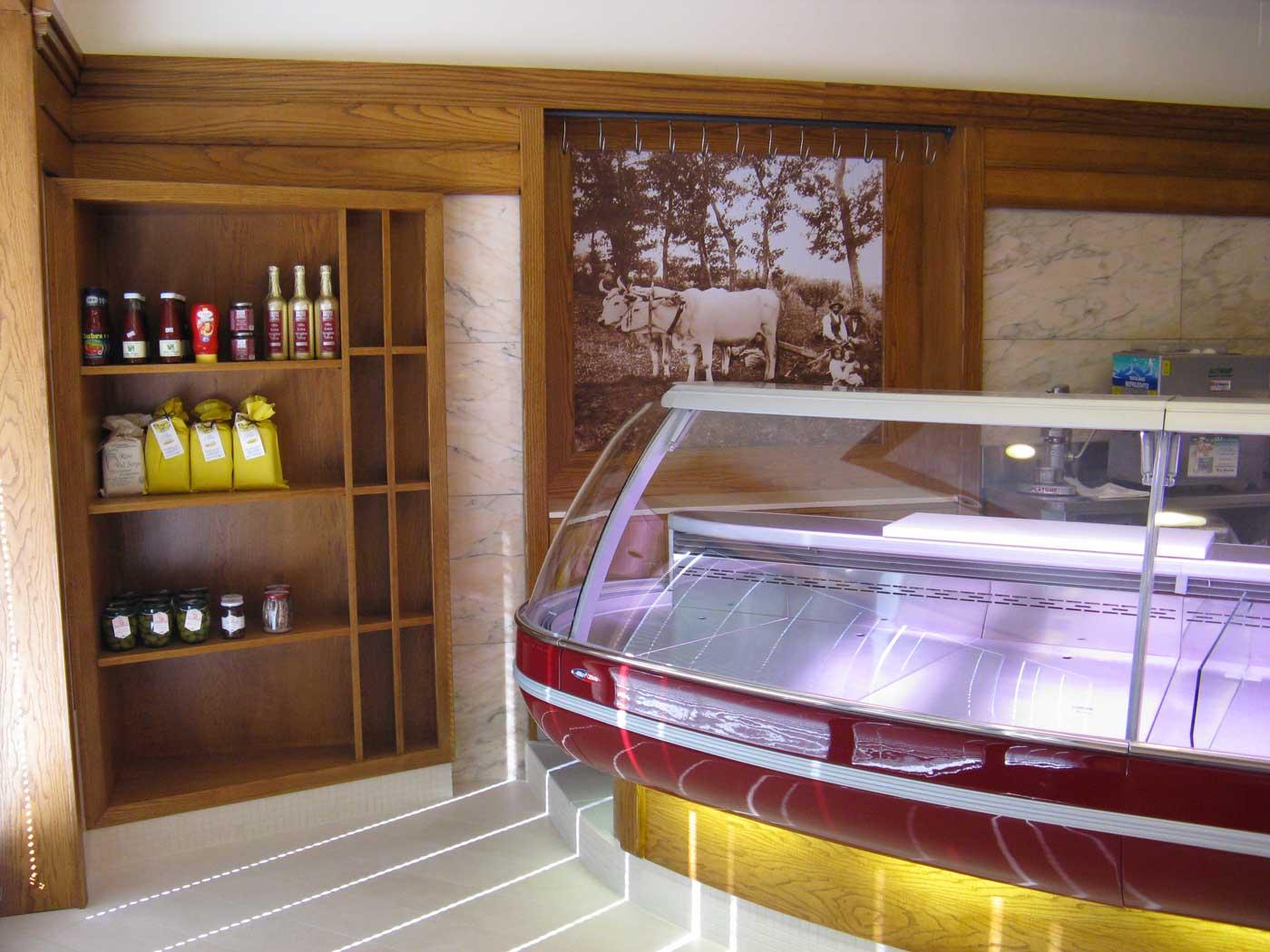 Dutto arredamenti negozi home for Arneg arredamento negozi